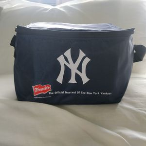 New Yankees Lunch Bag for Sale in New York, NY