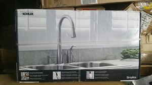 New Kohler Simplice Single-Handle Pull-Down Sprayer Kitchen Faucet Vibrant Stainless for Sale in Norcross, GA