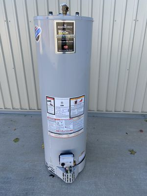 40 gallon water heater 2019 for Sale in Perris, CA