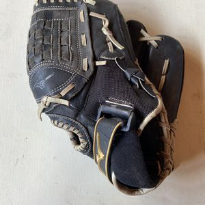 Softball/ Baseball Glove for Sale in Chino, CA