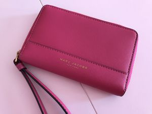 Marc Jacobs wallet/wristlet for Sale in Chula Vista, CA