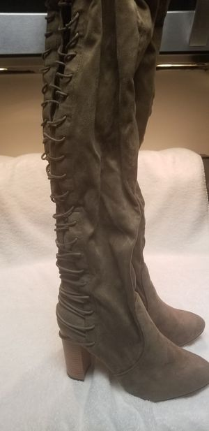 SIZE 11 THIGH HIGH LACE UP BOOT. NEVER WORN for Sale in Hyattsville, MD