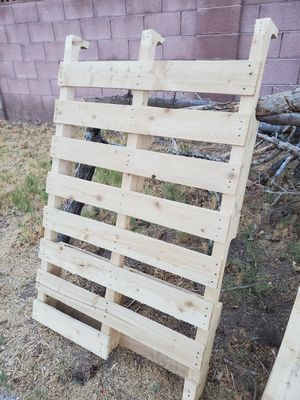 Wood pallet for Sale in Phoenix, AZ