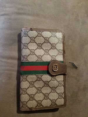 Authentic vintage Gucci wallet for Sale in Gilbert, AZ