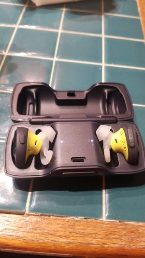 Bose wireless headphones for Sale in Modesto, CA