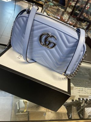 GUCCI MARMONT SMALL SHOULDER BAG for Sale in Las Vegas, NV