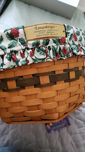 1997 Longaberger Snowflake Basket w TWO protectors for Sale in Mount Prospect, IL