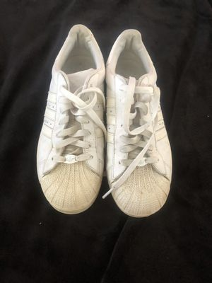 Women's Adidas tennis shoes size 9 for Sale in Montpelier, MD