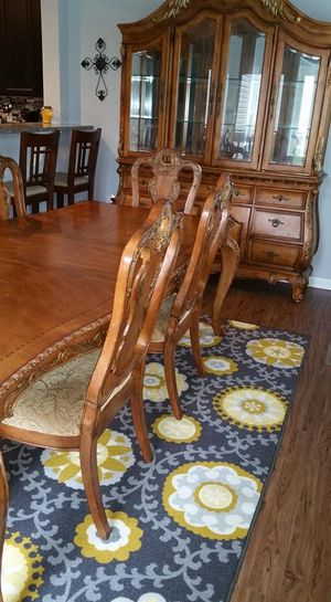 Large Traditional Dining Set for Sale in Pataskala, OH