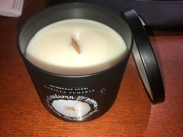 Everyday luxe vanilla pumpkin candle with wood wick