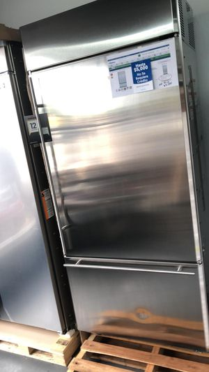 New GE Monogram 21 cu. Ft. Built-in Bottom Freezer Refrigerator, 2 Deli Drawers, Humidity Control, Filtered Ice Maker for Sale in Houston, TX