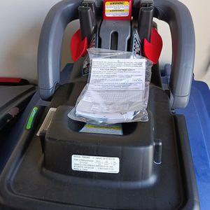 Graco snugride snuglock deluxe car seat base for Sale in Reynoldsburg, OH