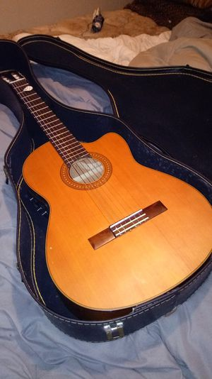 Yamaha Acoustic Electric Guitar CGX122MCC for Sale in Aberdeen, WA