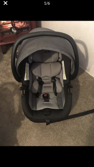 Safety 1st car seat and base for Sale in Dillsburg, PA