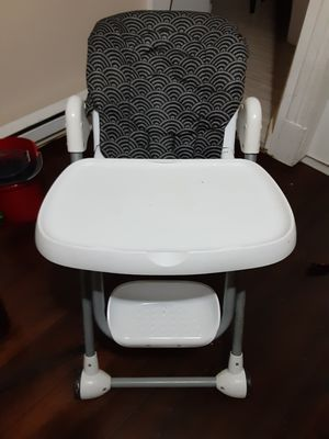 High chair and car seat for Sale in Chicopee, MA