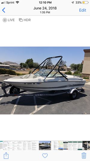 17 foot Maxum Wakeboard Boat Ex Condition! for Sale in Los Angeles, CA