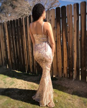 Prom dress for Sale in Hesperia, CA