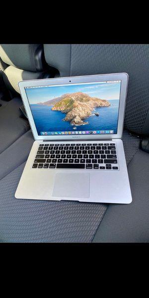 Apple. Laptop for Sale in Fort Pierce, FL