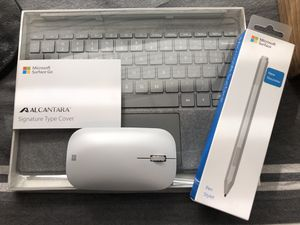NWOT Microsoft Surface Go Accessories Bundle in Platinum for Sale in Crowley, TX