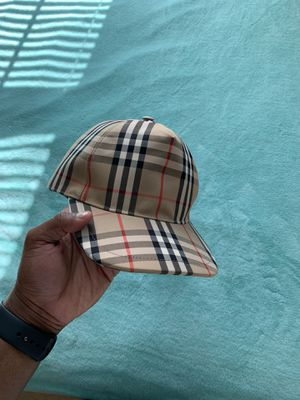 Burberry hat for Sale in Baltimore, MD