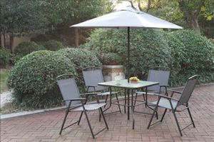 Table 4 Chairs & umbrella new! for Sale in Lakewood Township, NJ
