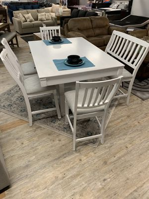 Dining table set for Sale in Bluffton, SC