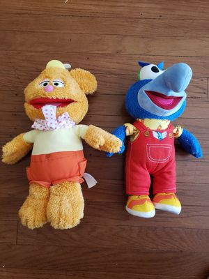 Muppets Dolls Stuffed Animals - Fozzie Bear and Gonzo - toys for kids- muppets for Sale in Sacramento, CA