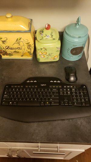 Wireless Logitech keyboard for Sale in Boynton Beach, FL