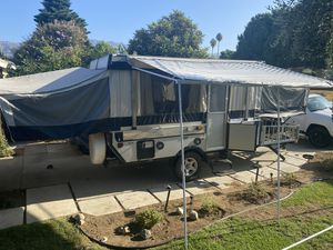 2010 Fleetwood E3 pop up camper toy hauler for Sale in Irwindale, CA
