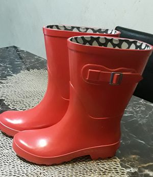 Women Rain Boots size 7 for Sale in Lakewood, CA