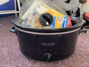 Crockpot Slow Cooker with Liners for Sale in Berkeley, CA