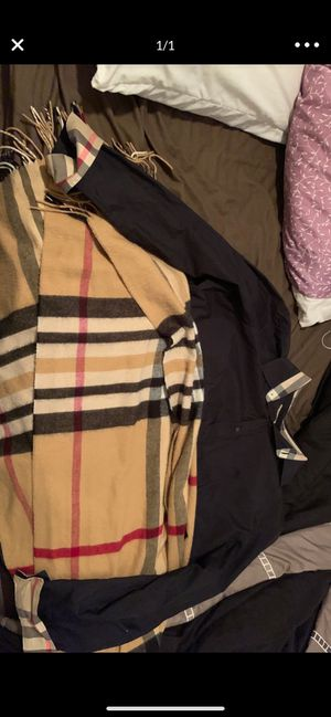 Burberry Scarf and Shirt 3XL for Sale in Clearwater, FL