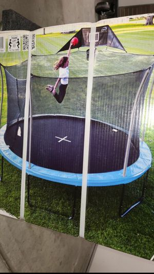 Brand new 14ft trampoline with basketball hoop and safety net for Sale in Menifee, CA
