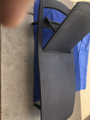 Furniture- LIKE NEW outdoor loungers. Keter PACIFIC SUN LOUNGER for Sale in Peoria, AZ
