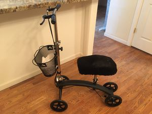 Knee scooter for Sale in Seattle, WA