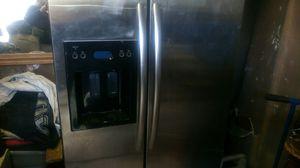 Kitchenette refrigerator for Sale in Aberdeen, WA