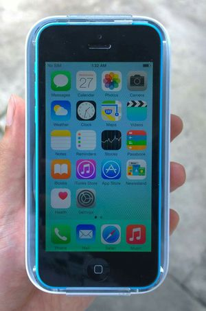 Iphone 5C, Factory Unlocked,, Excellent Condition. Almost New.. for Sale in Springfield, VA