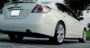 Great styling, 2007 Nissan Altima!! for Sale in Madison, WI