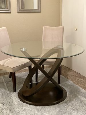 Glass top modern dining table set 4 chairs for Sale in Saginaw, MI