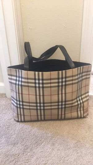 Burberry tote bag t-03-1 series for Sale in Richmond, CA