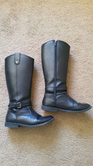 Girl's shoes: black boots for Sale in Murrieta, CA