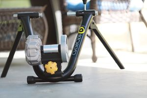 CycleOps fluid 2 bike trainer for Sale in Atlanta, GA