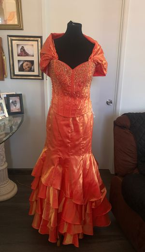 Coral fancy dress, prom dress, vestido de fiesta, size XL for Sale in Santa Ana, CA
