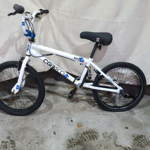 "20"" BMX kids bike. DELIVERY AVAILABLE for Sale in Hopedale, MA"