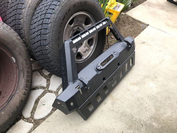 Westin WJ2 Bumper with skid plate for Jeep JK