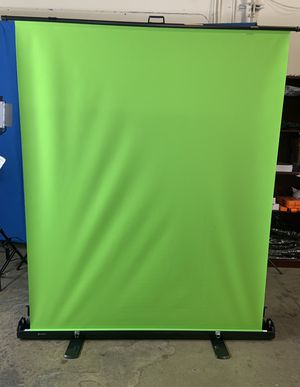 5ft. (W) x 6ft. (H) Collapsible and Retractable Green Chromakey Screen with Built-in Aluminum Case, Photo Video Studio for Sale in Chino, CA