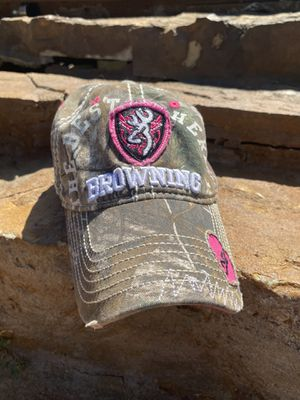Browning camo and pink Womens hat adjustable from cabelas for Sale in WHT SETTLEMT, TX