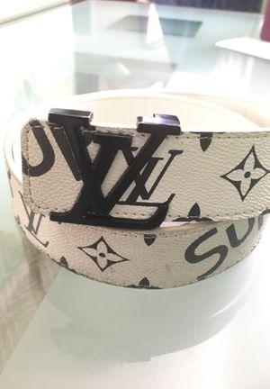 Luis Vuitton supreme for Sale in Miami, FL