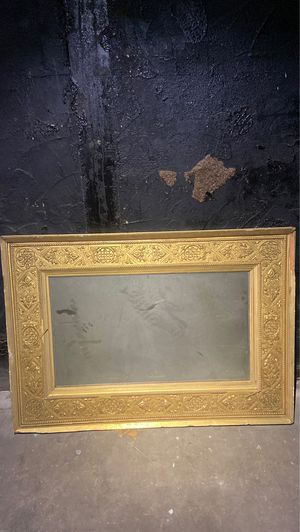 Antique mirror for Sale in Saugus, MA