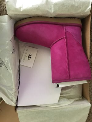 Women's ugg boots for Sale in Grosse Pointe Park, MI